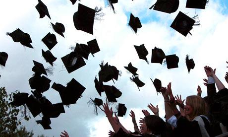 Graduation-day-at-a-unive-001