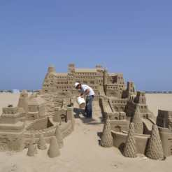 sand-castle-sea-art-build-wallpaper-preview